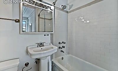 Bathroom, 118 E 18th St 3, 2