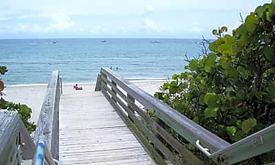 1420 Ocean Way 14D, 2