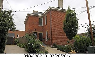 Building, 121 E Livingston Ave, 0