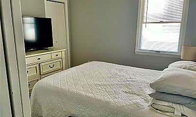 Bedroom, 616 E Broadway 4 D, 2