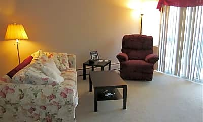 Living Room, 509 W Forest Ave, 1