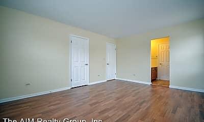 Living Room, 535-569 Maple Avenue, 1