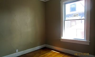 Bedroom, 619 W Howard St, 2