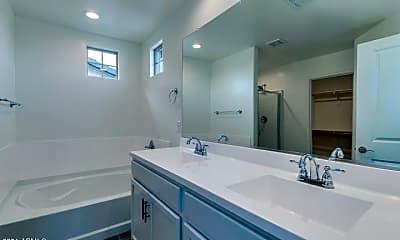 Bathroom, 6928 E Butte St, 2