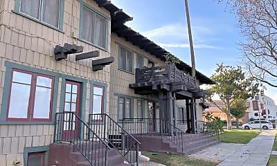Building, 1400 Fremont Ave, 2