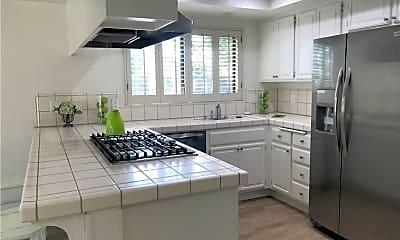 Kitchen, 14 Malaga Pl E, 1
