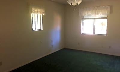 Building, 7403 White Oak Ln, 2