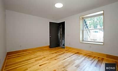 Bedroom, 118 W 132nd St, 2