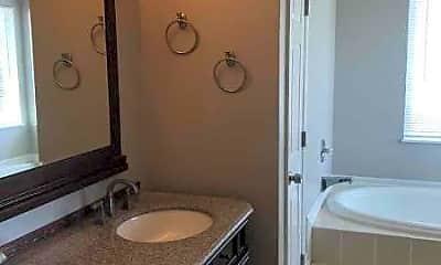 Bathroom, 4901 Greenburg Dr, 2