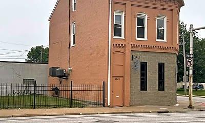 Building, 1501 N Harrison St, 2