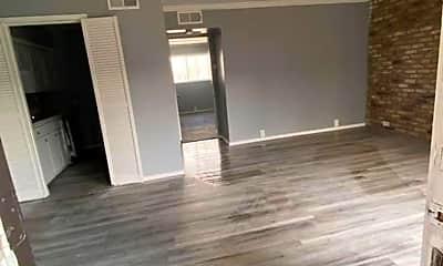 Living Room, 3015 Greenridge Dr, 0
