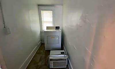 Kitchen, 617 N Walnut St, 2