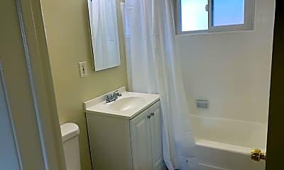 Bathroom, 812 S Glendale Ave, 2