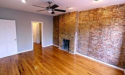419A Quincy St 2, 1