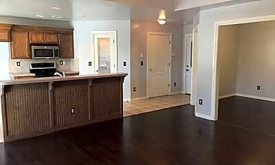 Kitchen, 4613 Elk Creek Dr, 1