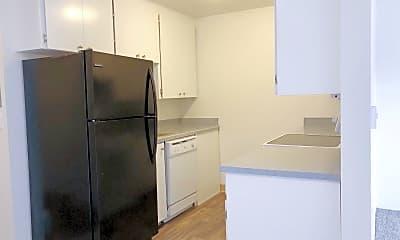 Kitchen, 3031 S 192nd St, 1