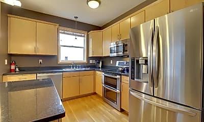 Kitchen, 301 Oak Grove St 414, 1