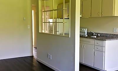 Living Room, 303 SE 126th Ave, 2