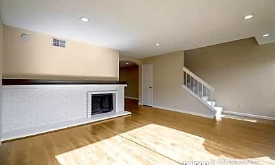 Living Room, 4189 Sora Common, 1