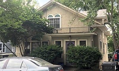 Building, 281 S Winooski Ave, 1