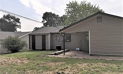 Building, 879 Hyde Park Dr, 2