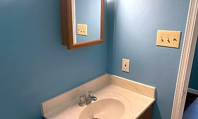 Bathroom, 218 Bexar Dr, 2