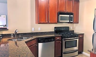 Kitchen, 820 Emerald St SE 301, 1