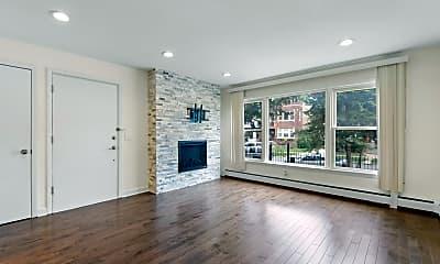 Living Room, 5043 W Cornelia Ave 1, 1