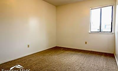 Living Room, 1103 Garden Way, 2
