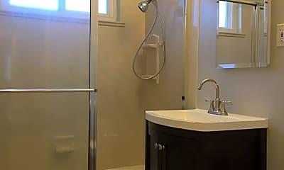 Bathroom, 62 Linden Ave, 2