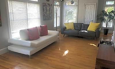 Living Room, 2846 Piedmont Rd NE 1, 1