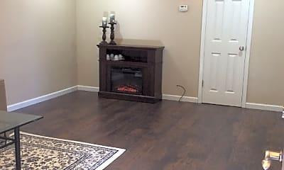 Living Room, 2076 Oakwood Dr, 1