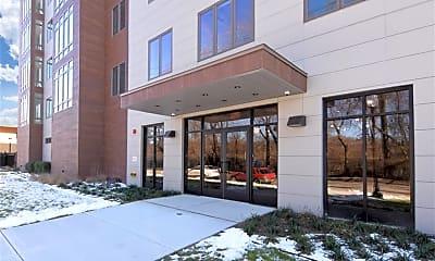 Building, 525 N MacQuesten Pkwy 4J, 2