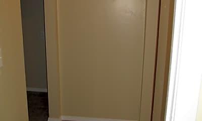 Bathroom, 632 SW 9th St, 2