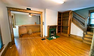 Living Room, 39 W Patterson Ave, 1