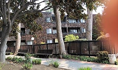 Redwood City Commons, 0