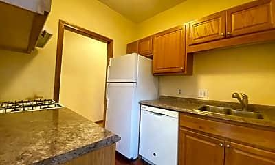 Kitchen, 404 Meridian St, 1