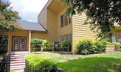 Building, 601 Twin Oaks Dr, 2