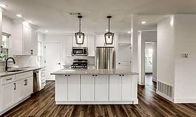 Kitchen, 6204 Richmond Ave, 0