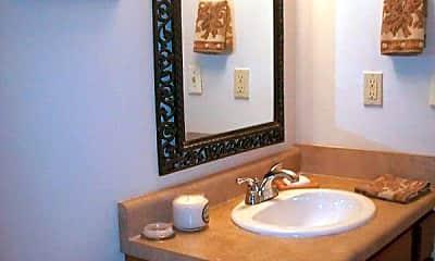 Bathroom, 2000 Garland Ave, 2