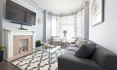 Living Room, 5323 S Maryland Ave 1, 1