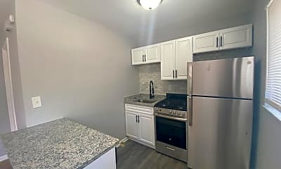 Kitchen, 2705 Willard Ave, 1