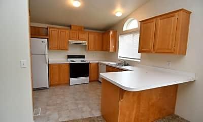 Kitchen, 120 Woodland Dr, 1