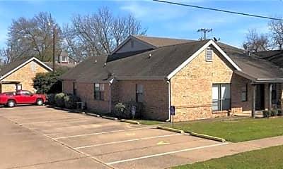Building, 500 N Jackson St D, 1