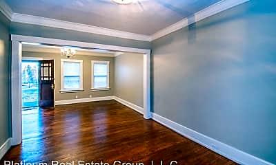 Living Room, 4902 California St, 1