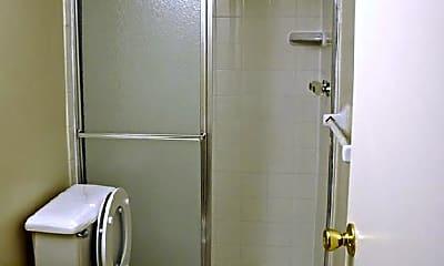 Bathroom, 1301 S Lincoln Ave, 2