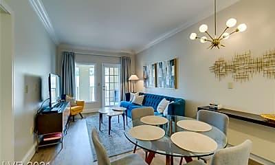 Dining Room, 30 Strada Di Villaggio 333, 1