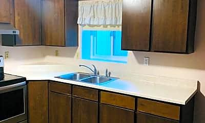 Bathroom, 2240 Raymond Ave, 2