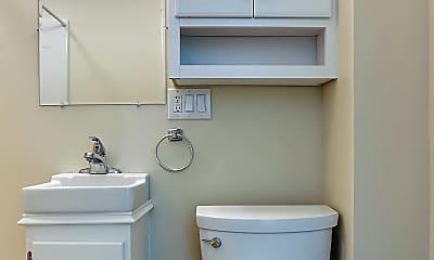 Bathroom, 351 Broad St, 2