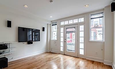 Living Room, 1802 Webster St, 1